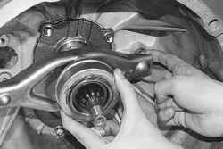 6.1.5 Замена подшипника и вилки выключения сцепления УАЗ 31519
