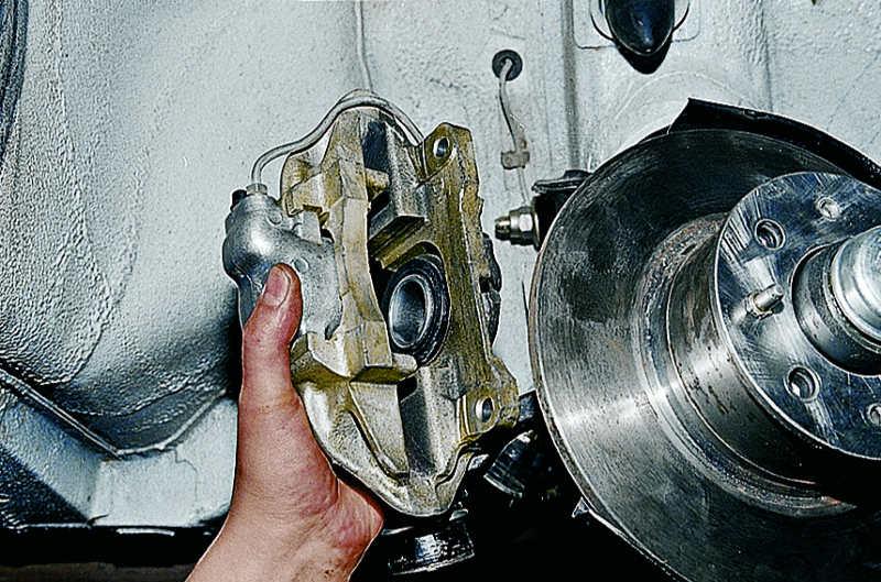 Фото №26 - замена передних тормозных дисков ВАЗ 2110