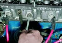3.6 Замена маслоотражательных колпачков механизма газораспределения