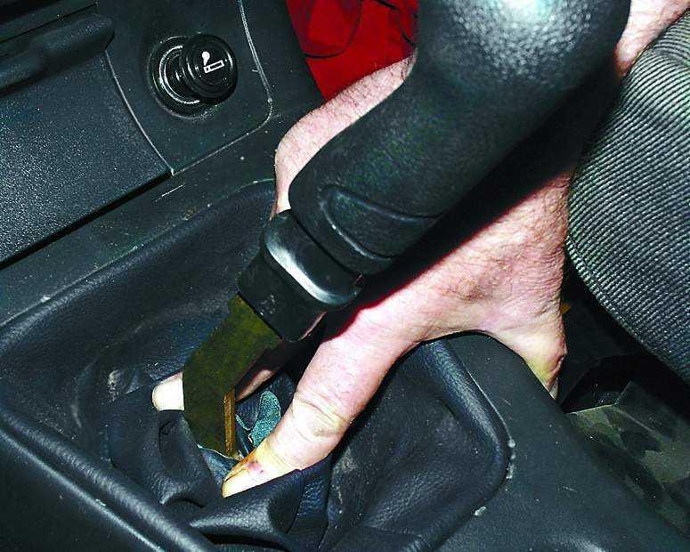 Фото №5 - большой ход рычага переключения передач ВАЗ 2110