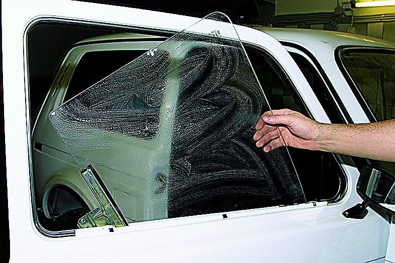 Замена боковых стекол своими руками