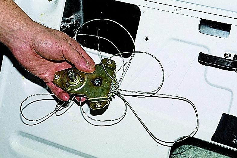 Фото №6 - как отремонтировать стеклоподъемник на ВАЗ 2110