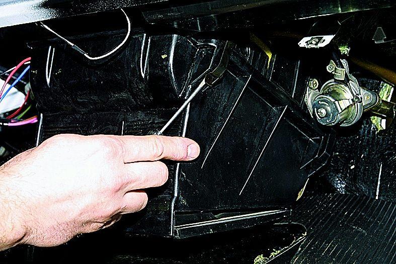 Замена вентилятора печки ваз 21213 своими руками 14
