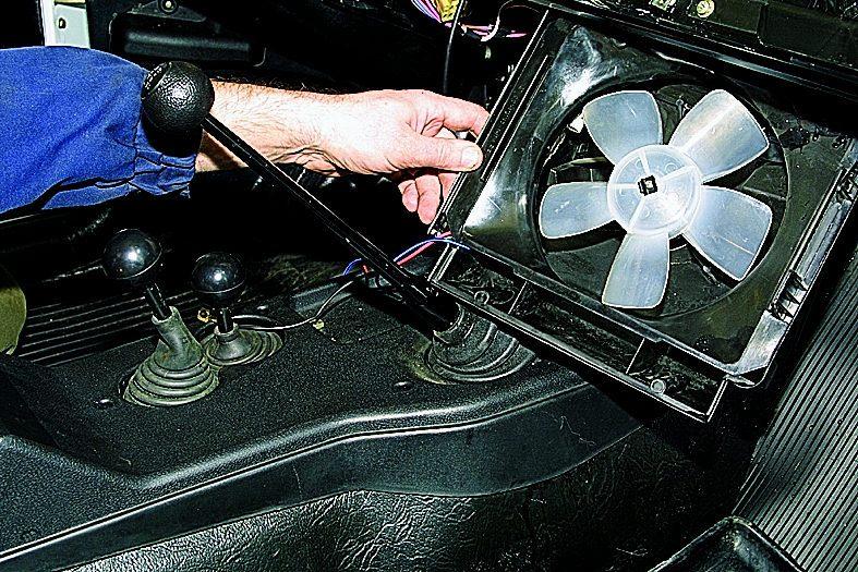 Замена вентилятора печки ваз 21213 своими руками