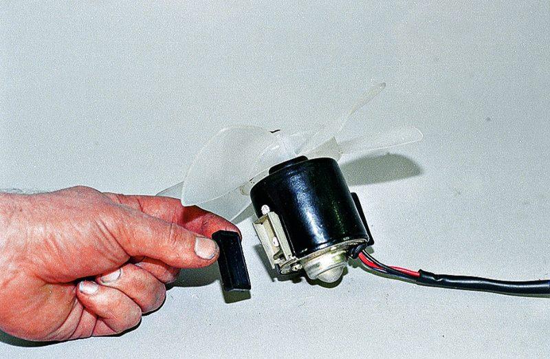 Замена вентилятора печки ваз 21213 своими руками 29