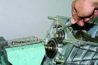 9.10 Разборка и сборка коробки передач ВАЗ 21213