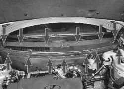 11.3 Снятие и установка накладок рамы ветрового стекла